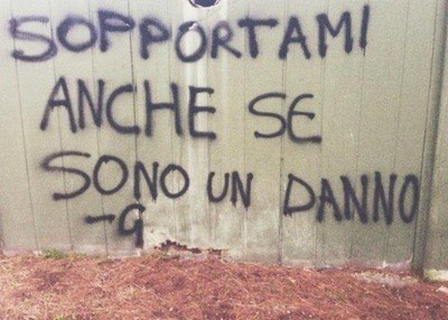 Le scritte sui muri d italia in mostra for Scritte tumblr sui muri