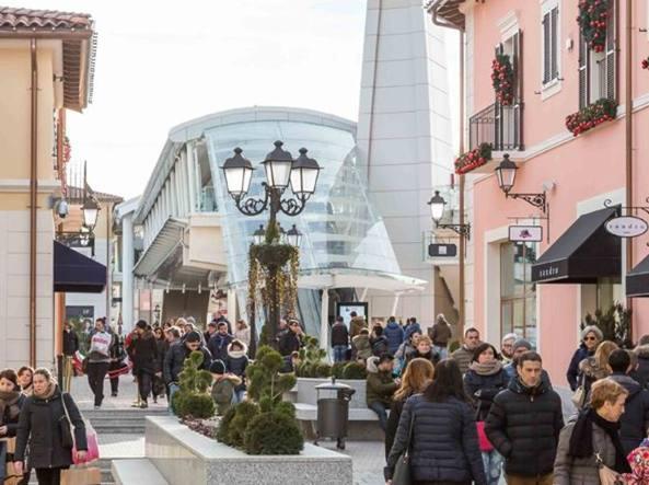 Milano saldi al via outlet di serravalle preso di mira for Outlet arredamento milano e provincia