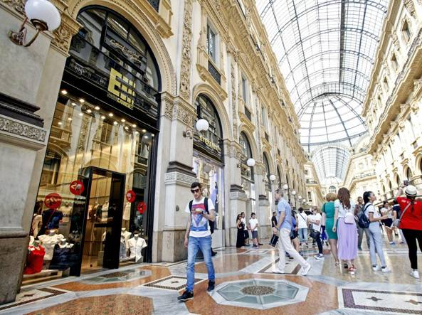 Un milione all'anno per negozio Galleria - Ultima Ora