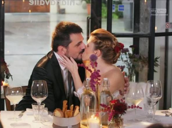 Il matrimonio a prima vista finisce male e non riescono a separarsi
