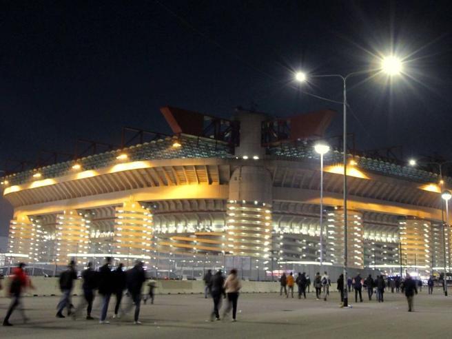 San Siro, Inter e Milan al Comune: disponibili a valutarne il recupero