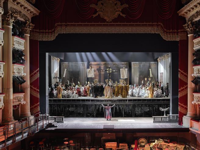 Proiezione in diretta della prima del Teatro alla Scala