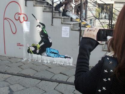 half off 325fe 8be6f Un murale raffigurante i due vicepremier, Matteo Salvini e Luigi Di Maio, è  comparso sui Navigli milanesi  nel disegno il leader leghista, ...