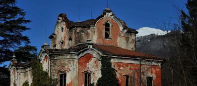 Spettri e delitti i misteri della casa rossa for Corriere della casa