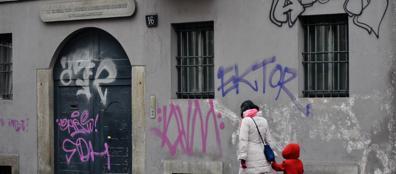 Imbrattata La Casa Del Manzoni Scritte Sui Muri Battaglia