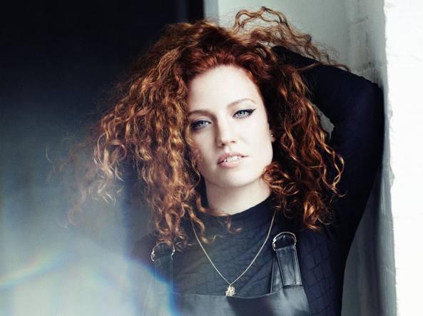 Il Nuovo Brit Pop Ha I Capelli Rossi Con La Voce Di Jess Glynne