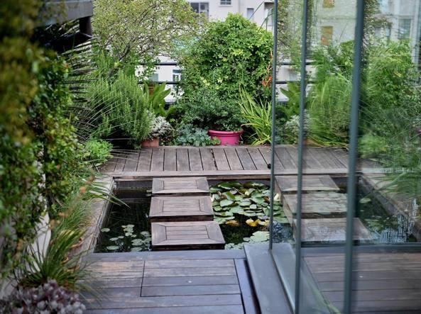 Il tetto di una casa trasformato in giardino - Alzare il tetto di casa ...