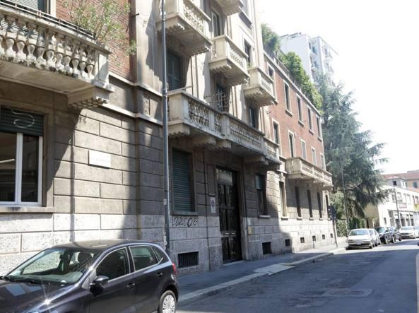 La guardia di finanza sequestra la casa milanese di for Corriere della casa