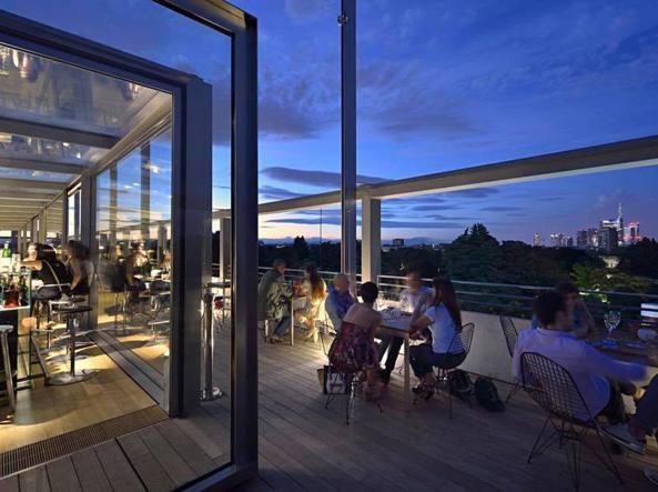 Milano, è arrivata l\'ora dell\'aperitivo in terrazza: la guida dei ...