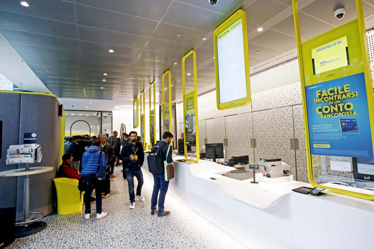 Nuovo Ufficio Postale Milano : Poste italiane l ufficio del futuro al palazzo della regione