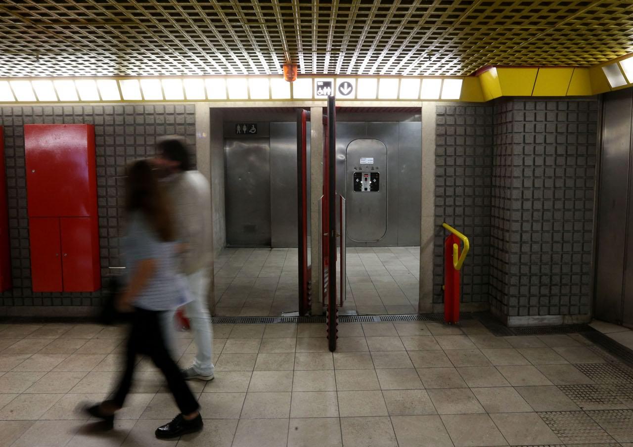 Milano, viaggio tra i bagni pubblici - Corriere.it