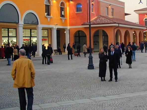 Saldi, record di acquisti nei primi giorni al Mantova Outlet Village ...