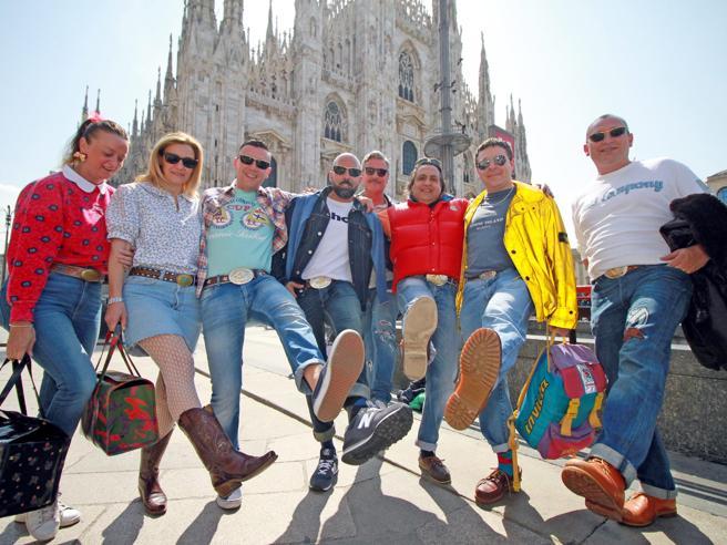 Milano, il raduno degli ex paninari, oggi 50enni