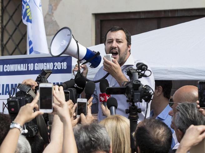 Governo, la trattativa nella notte. Conte premier, i casi Savona e Massolo | Tutti i ministri