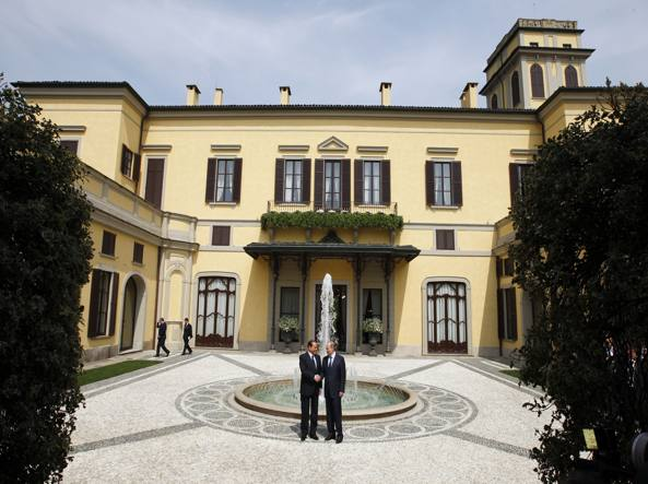 Berlusconi e Putin a Villa Gernetto (Ap Photo)