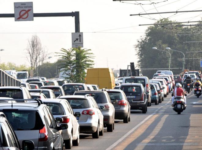 Milano, smog: un confine digitale per fermare i diesel. Telecamere e multe dal 21 gennaio 2019