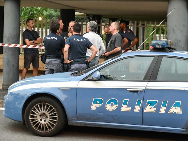 Busto Arsizio, benzinaio ferito con tre colpi di pistola: un fermato