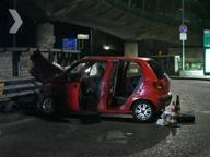 In sette su un'auto e il conducente ubriaco: tre feriti gravi nella sbandata