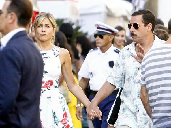 Milano, Jennifer Aniston e Adam Sandler a Porta Venezia per