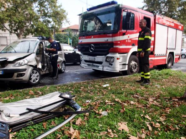 L'incidente in viale Mugello (foto Gerace/LaPresse)