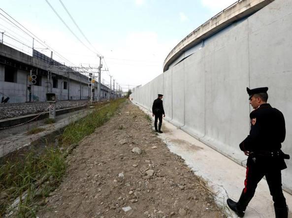Una barriera antipusher alla stazione, sotto i piloni degli svincoli della tangenziale: sarà lunga 600 metri