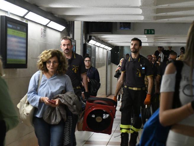 Monza, spray urticante nel sottopasso della stazione: dieci  intossicati
