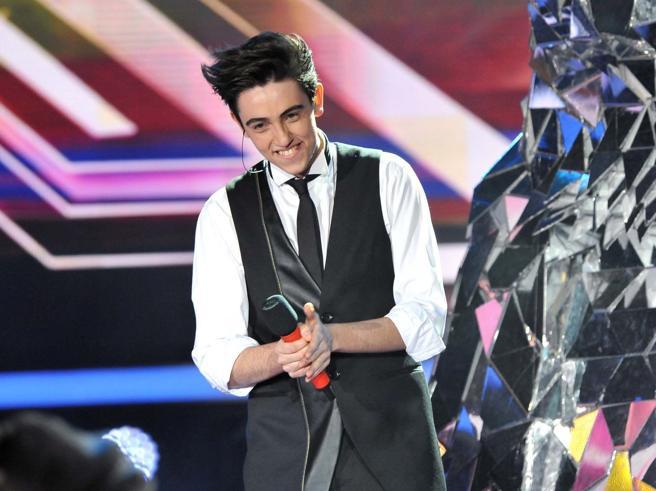 """Michele Bravi, ex vincitore X Factor coinvolto in incidente mortale: """"Soffro per la vittima"""""""