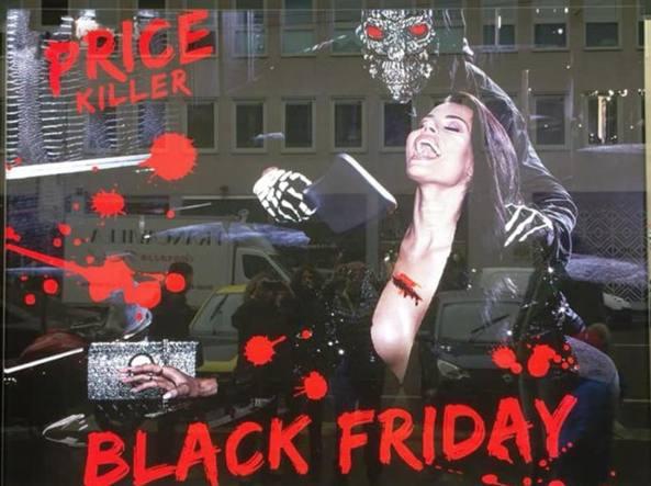 Milano, ragazza uccisa in vetrina: proteste per la pubblicità di una ...