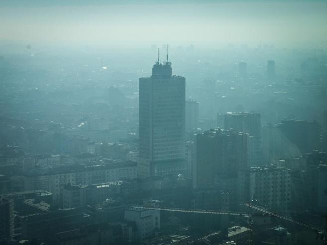 Si abbassa lo smog, sospeso il blocco del traffico per gli euro 4