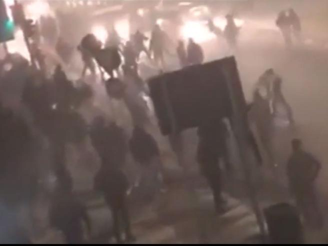 Risultati immagini per scontri milano inter napoli