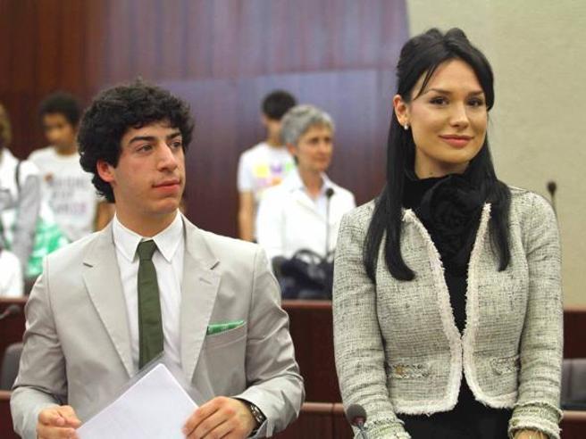 Spese pazze, condannati capogruppo Lega al Senato,  Renzo Bossi e Nicole Minetti