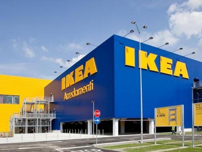 Ikea Corsico Dipendenti Rubavano Mobili 30 Denunciati Corriereit