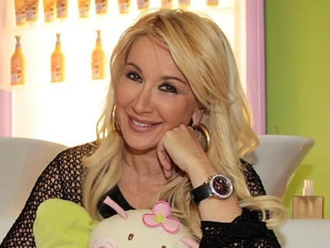 Simona Tagli e i 36mila euro spesi per due  diamanti: «Così mi sono fatta fregare»