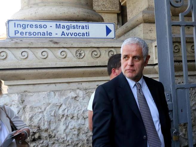 Il caso Maugeri, Formigoni va in carcereCassazione riduce