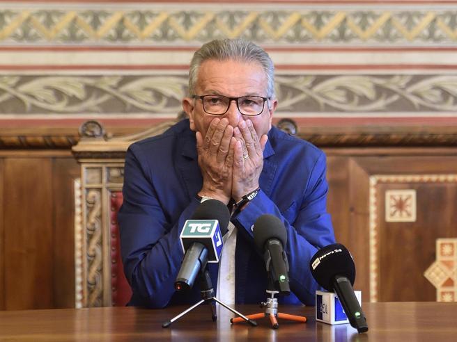 Corruzione, arrestato il sindaco di Legnano Gianbattista Fratus (Lega)