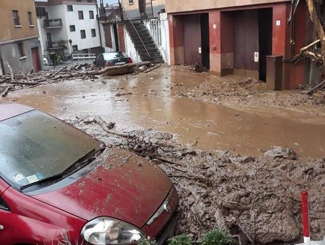 Fiumi esondati e frane nel Lecchese e in Valtellina Evacuate case e aziende |Foto