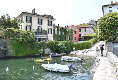 Lago Di Como Michelle E Barack Obama Ospiti Di George Clooney Laglio Diventa Una Fortezza Corriere It