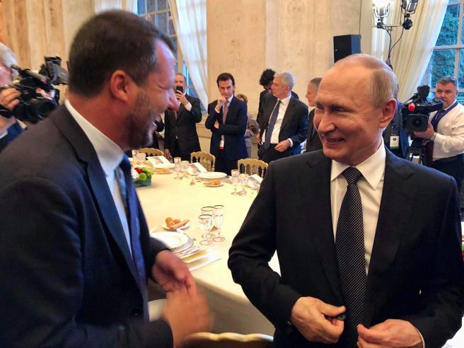 Lega e fondi russi, indagato SavoiniM5S: sì alla commissione d'inchiesta