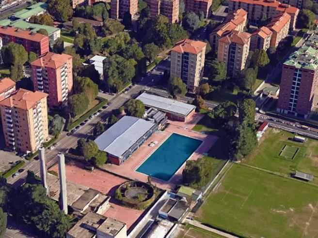 Milano, 28enne  trovato morto nella vasca della piscina Sant'Abbondio