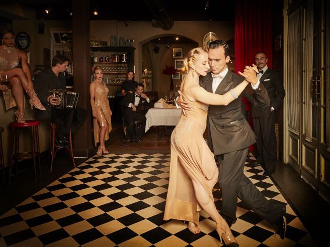 Cena con spettacolo, dal tango al burlesque: 5 ristoranti a Milano