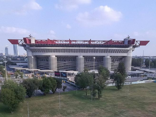 San Siro, spunta la terza ipotesi: così i club ridisegnano lo stadio