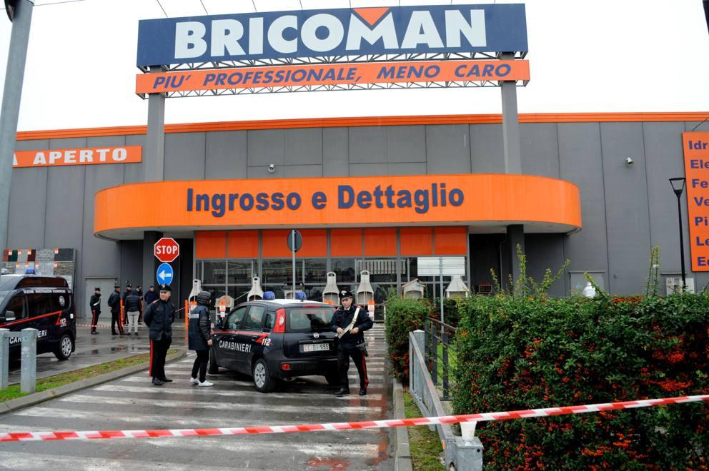 Segrate Sparatoria Davanti Al Bricoman