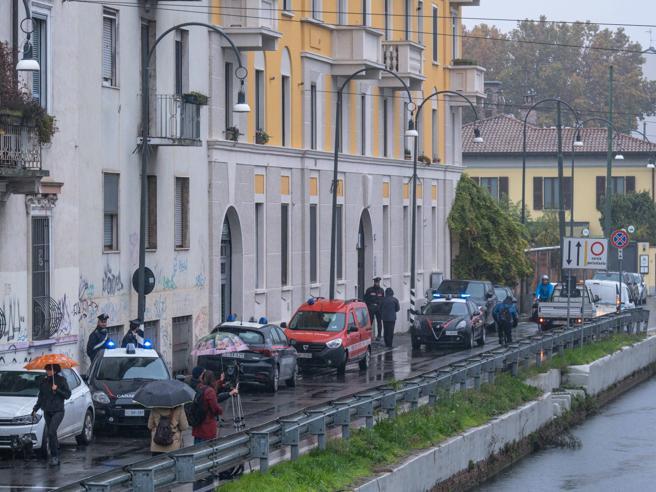 Milano, incendio sui Navigli: morti  tra le fiamme  due giov