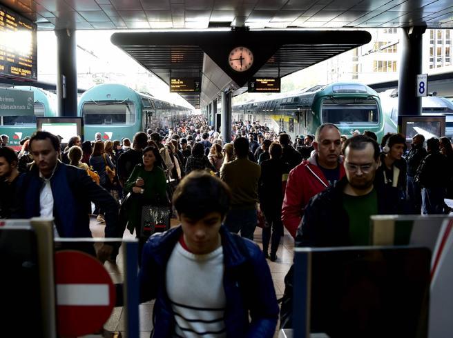 Il 28 e 29 sciopero Atm e Trenord  A rischio bus, tram  e treni