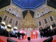 Milano, Natale illumina la Galleria: oltre 35mila luci per l'albero digitale