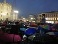 """Sardine a Milano: """"Anche qui stretti"""". E il sit-in si sposta in piazza Duomo"""