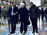 Marcia di solidarietà per Liliana Segre: 600 sindaci in piazza Scala