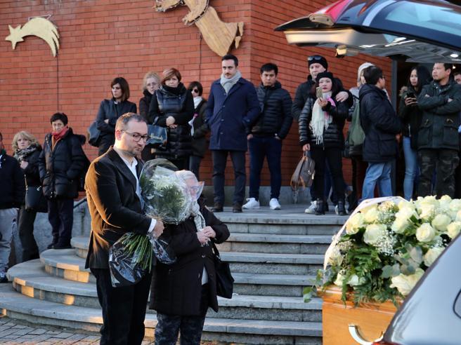 Addio a Shirley, la tata morta nell'incidente a Milano: «Per Natale aveva ...