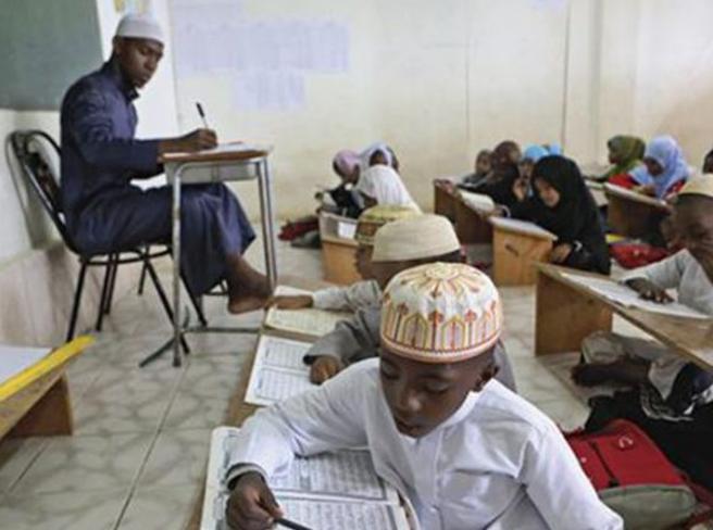 Bacchettate e castighi agli alunni della scuola  islamica: arrestato docente