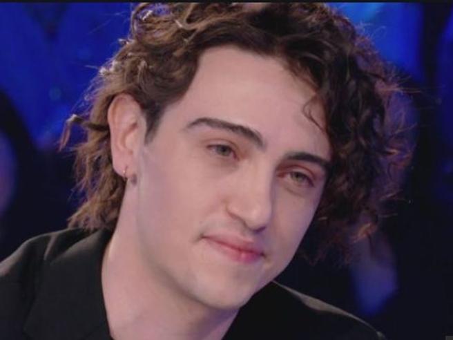 Michele Bravi, il cantante vuole patteggiare 18 mesi per omicidio stradale  Foto